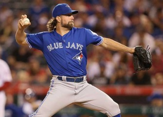 Ex-Blue Jays RHP R.A. Dickey Agrees To $8M Deal With Braves