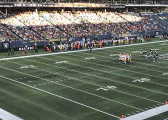 NFL Preseason: Raiders Beat Packers 22-21 On 80-Yard Field In Canada [PHOTOS]