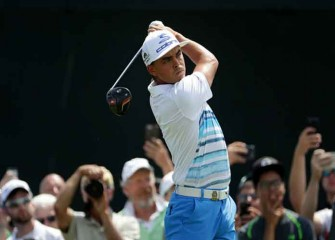U.S. Open Golf 2017: Rickie Fowler Ties Major Record In Round 1, Round 2 Updates