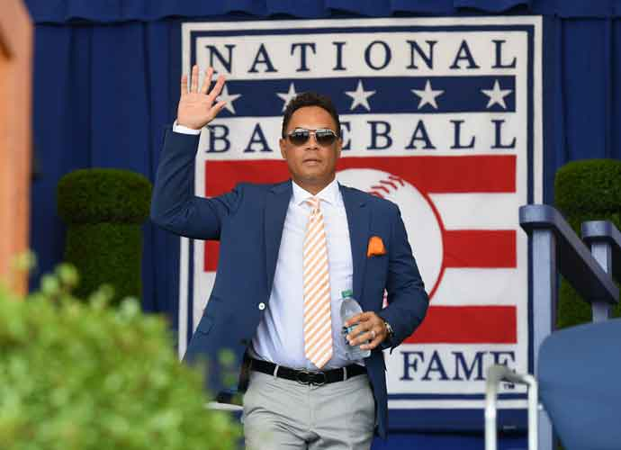 Roberto Alomar Resigns From Hall Of Fame Board Amidst Sexual Allegations