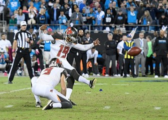 Buccaneers Edge Panthers 17-14 On Last-Second Field Goal By Roberto Aguayo