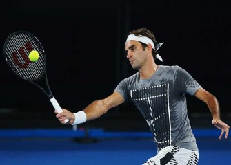 Roger Federer Makes Big Return With Win Over Juergen Melzer In Australian Open First Round