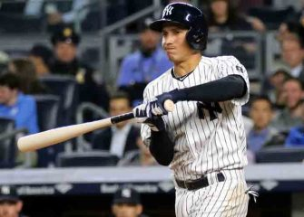 Yankees Trade Fan Favorite Infielder Ronald Torreyes To Cubs, Addison Russell's Status In Question