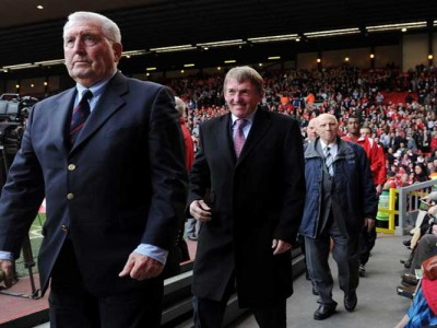 Ex-Liverpool Captain, Coach Ronnie Moran Dies At 83; Steven Gerrard And More Pay Tribute