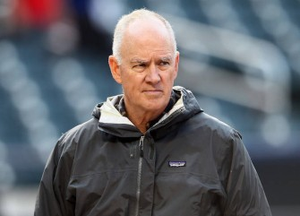 Sandy Alderson Has Scary Collapse While Talking to Reporters About Terry Collins