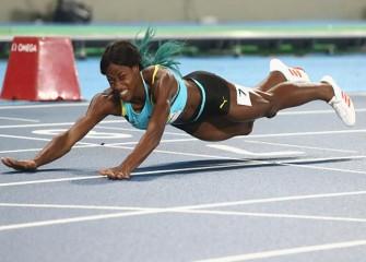 Bahamas' Shaunae Dives To Gold In Women's 400M, Beats USA's Allyson Felix