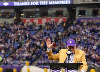 Bud Grant Walks Out On Field During Sub-Zero Temperatures At Vikings Game