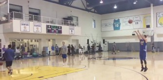 Stephen Curry Makes 77 Consecutive Three-Pointers At Practice