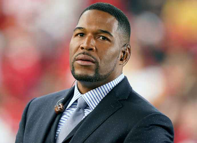 NY Giants Hall of Famer Michael Strahan Shows New Looks