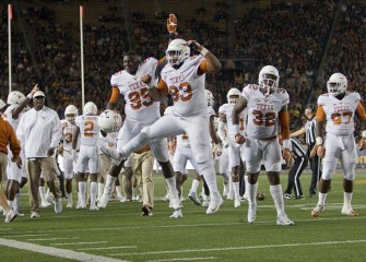 Texas Longhorns OL Kent Perkins Charged With DWI, Found Asleep In Car After Crash