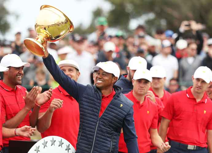 Woods Shows Appreciation To Golfers Wearing Red