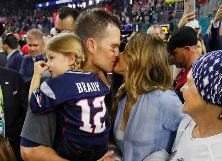 NFL Investigating Gisele Bundchen's Claim That Tom Brady Suffered Concussion In 2016 Season