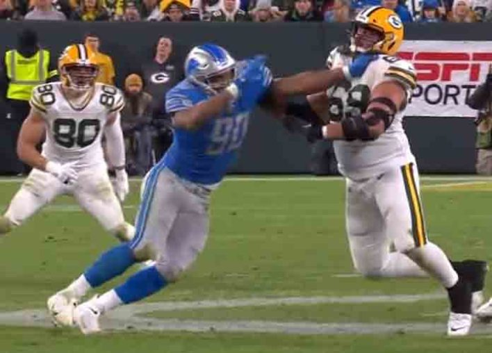 """Controversial """"Hands-To-The-Face"""" Calls Muddle Packers' 23-22 Win Vs. Lions [VIDEO]"""