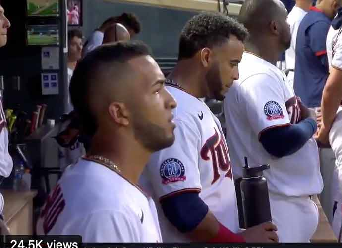 Twins & Cardinals Take Moment Of Silence At 8:46 In Honor Of George Floyd