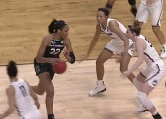 UConn Women's Hoops Rout South Carolina 94-65 To Reach 11th Straight Final Four [VIDEO]