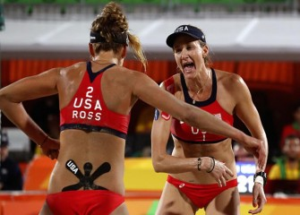 Kerri Walsh Jennings, April Ross Eliminate Australia To Advance To Volleyball Semifinals