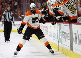 Wayne Simmonds Gets Much Love – And Hate – From Flyers Fans