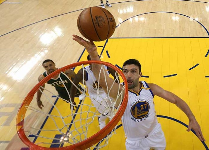 Spurs Fan Sues Zaza Pachulia, Warriors For Injuring Kawhi Leonard In Game 1