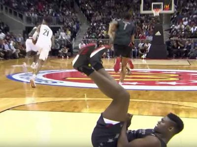 Duke Recruit Zion Williamson Lands Big Dunks, Injures Thumb In McDonald's All-American Game [VIDEO]