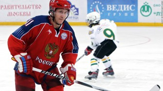 Vladimir Putin Scores 8 Goals in Exhibition Hockey Game with Former NHL Players